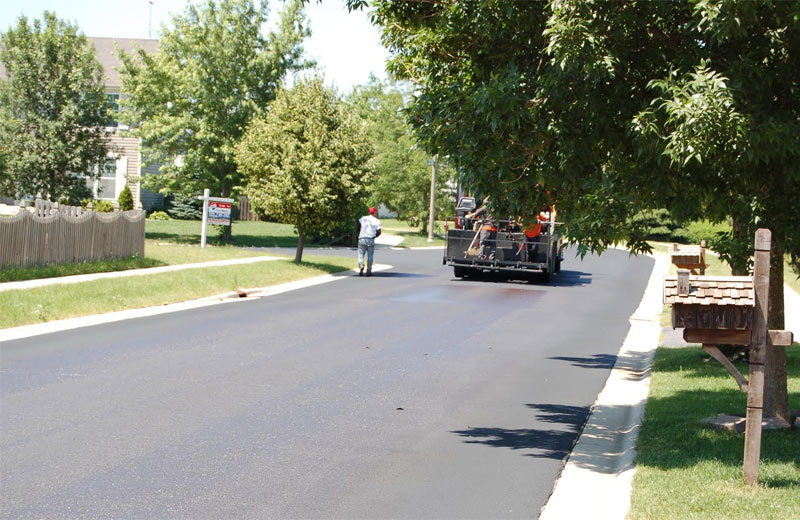 lakewood falls community pavement sealing project