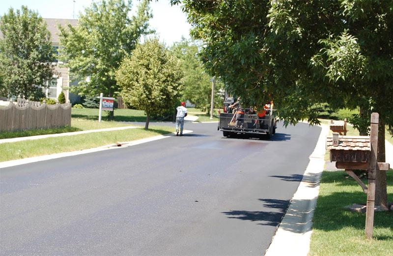 lakewood falls community pavement sealing project
