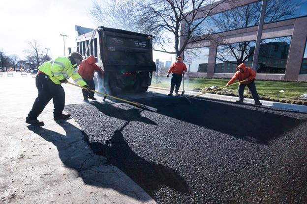 asphalt paving How Are Asphalt Paving and Sealcoating Different?
